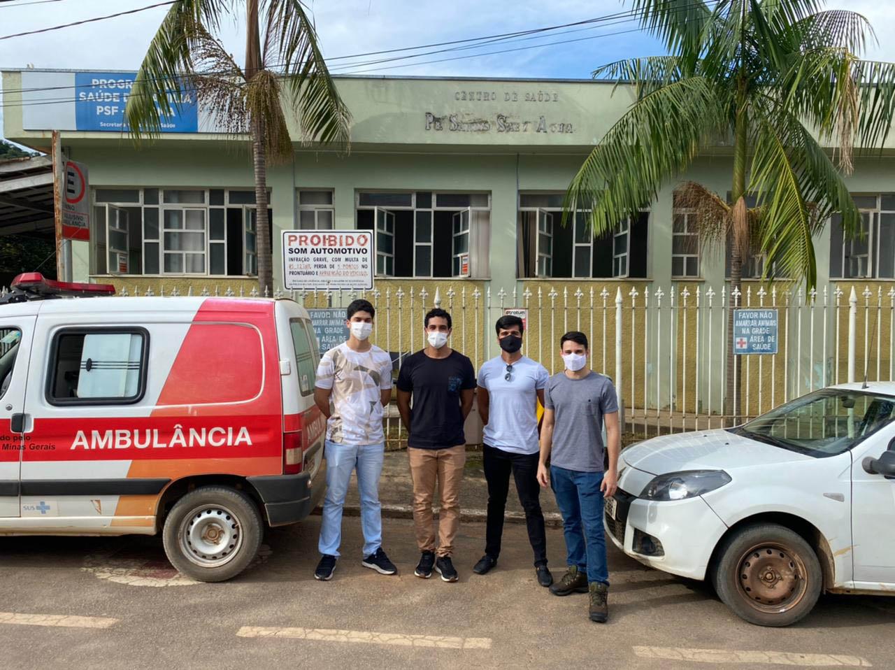 Estagiários de Medicina da Universidade Federal de Minas Gerais (UFMG) preparam-se para atendimento no PSF dos distriitos de Ipoema e Senhora do Carmo