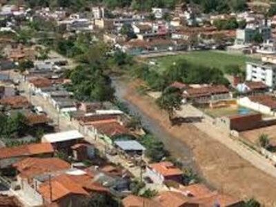 Santa Maria de Itabira: visão panorâmica não mostra o drama que ainda domina a cidade