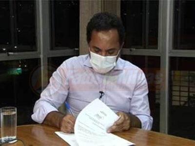 Prefeito Marco Antônio Lage tem assinado mais decretos e outros documentos em benefício da Ação Social