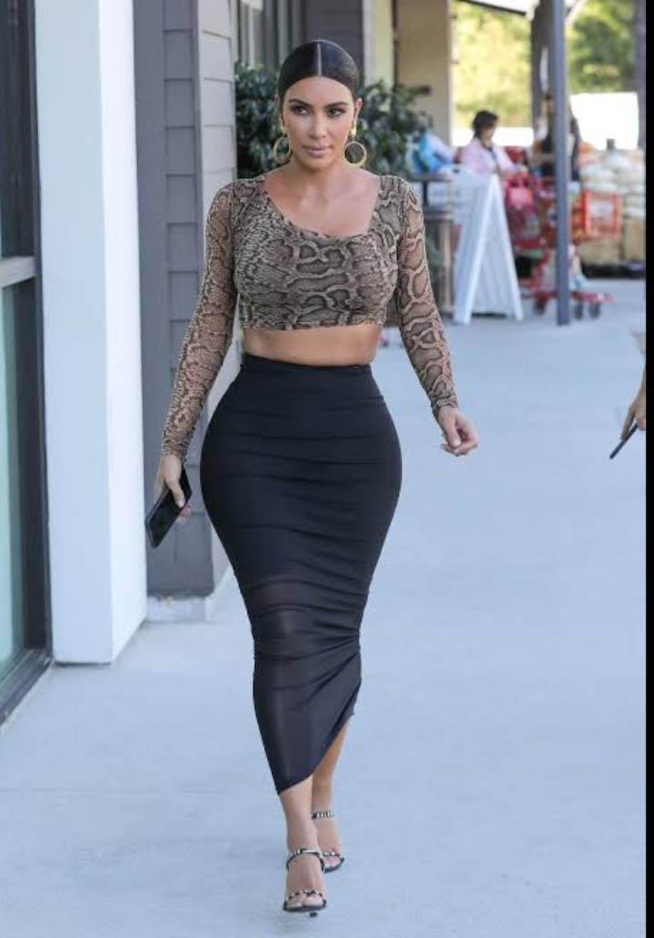 A Socialite Kim Kardashian tem o corpo no formato triângulo.
