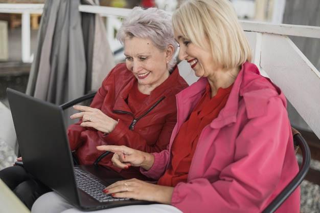 Todos os aposentados têm acesso a informações, mas para questões mais complexas o melhor é contratar um profissional especializado
