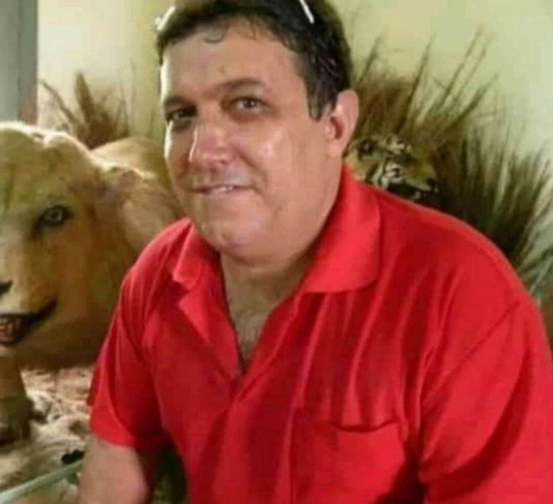 Diretor e professor Cácio Geraldo de Paula