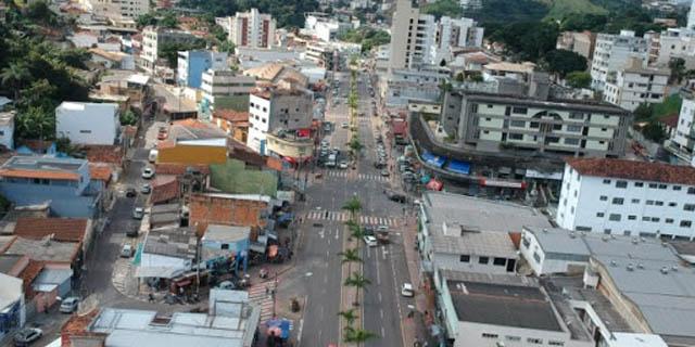 Vista parcial de Itabira: de modo geral a cidade segue seu ritmo normal