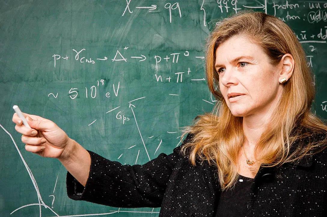 """Ângela Villela Olinto é líder no novo campo da """"física das astropartículas"""" e trabalha em projetos com a Nasa (Crédito: Reprodução/Redes Sociais)"""
