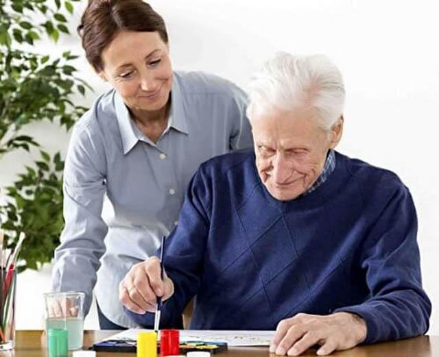 Tratamento hoje em dia é rudimentar e apenas pode reduzir o sofrimento do idoso acometido de Alzheimer
