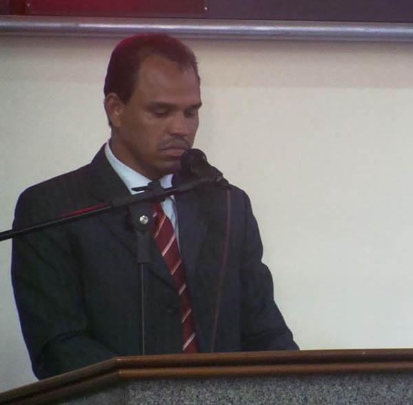 Vereador Sebastião Ferreira Leite (Tãozinho Leite), autor de requerimento aprovado por unanimidade, de instauração de CPI da Itaurb (Foto: Divulgação)