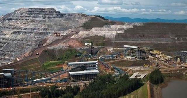 Quando a Vale enxergou o fim do minério mais rico, a hematita, iniciou logo a construção de dois projetos que trouxeram 30 mil peões para Itabira, bagunçando completamente a cidade (Foto Divulgação)