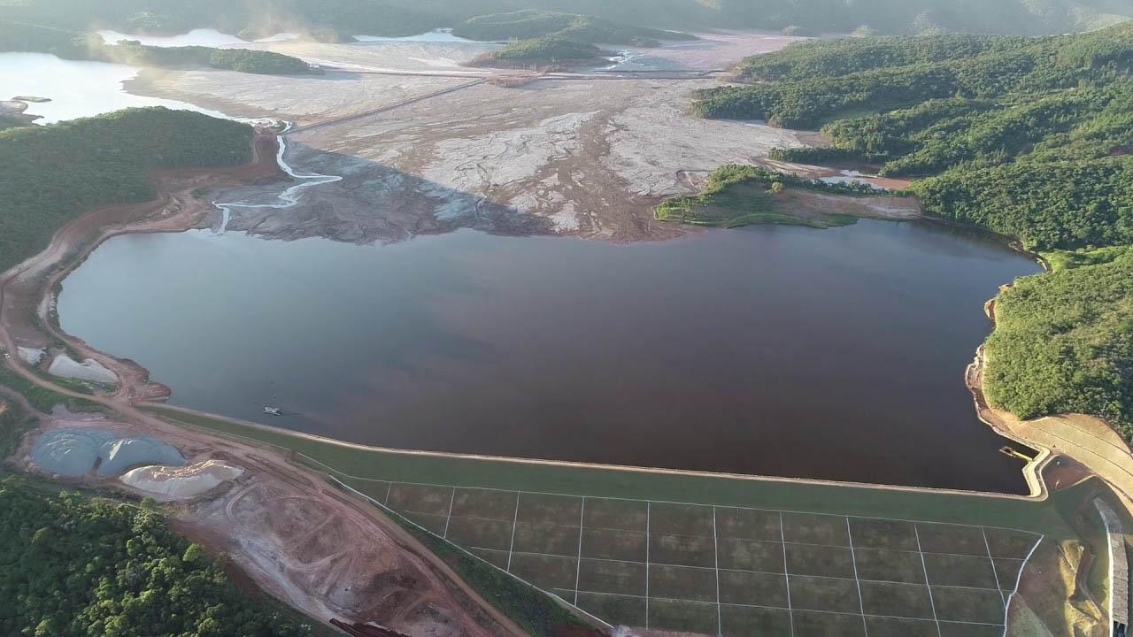 Será que o itabirano precisa sofrer mais que todos os povos do mundo? A cidade está cercada de barragens por todos os lados, ou seja, virou uma ilha de lamaçal ameaçados (Foto Divulgação)