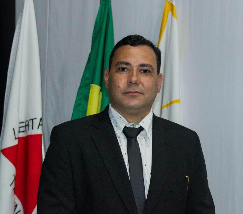 Vereador Marcelino Freitas Guedes, autor da homenagem, projeto de lei que cria o Dia Municipal do Professor José Antônio Sampaio (Foto Câmara Municipal de Itabira)