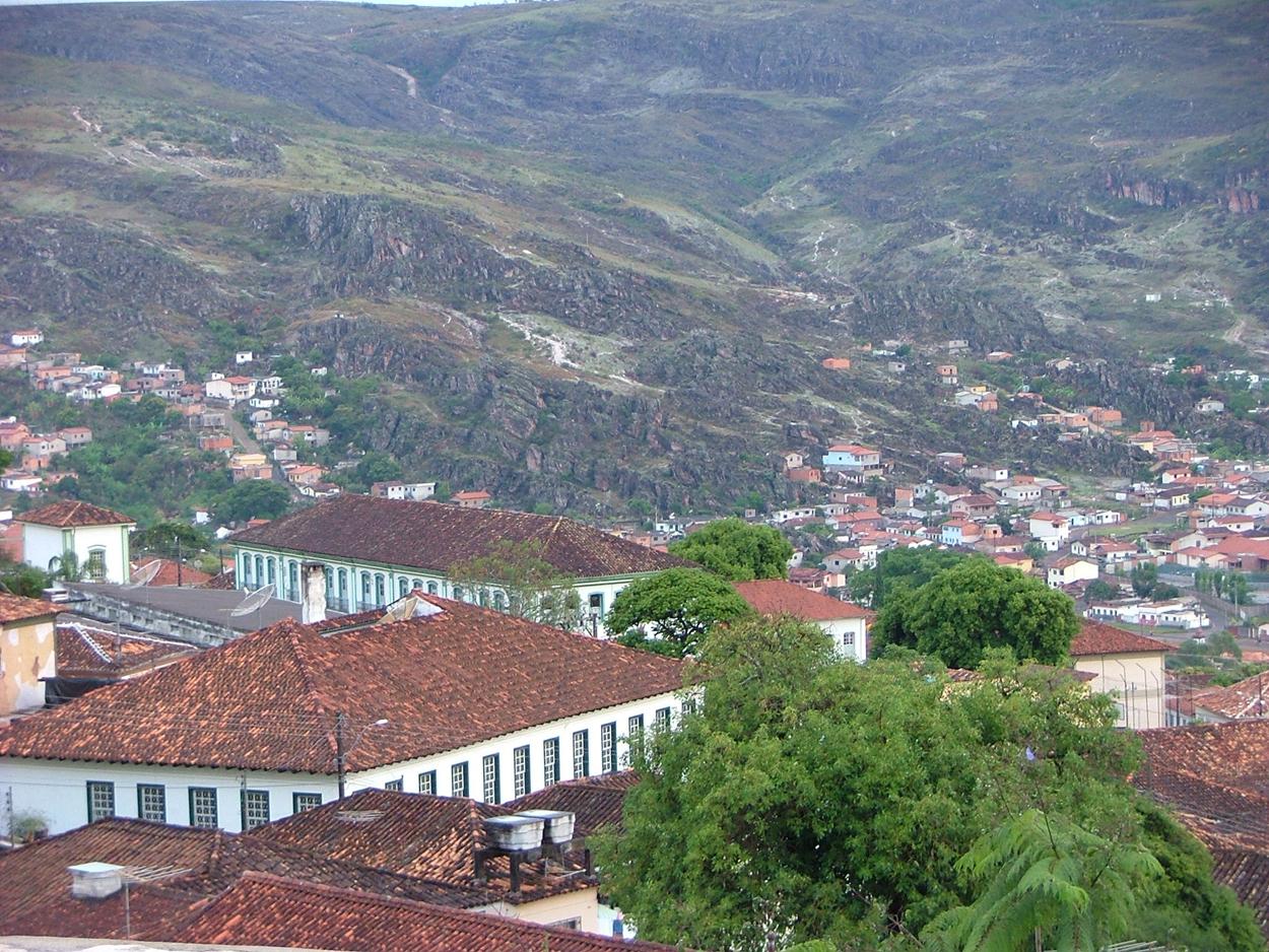 Diamantina: vista parcial da cidade e dos morros que circundam a cidade histórica (Foto Arquivo)