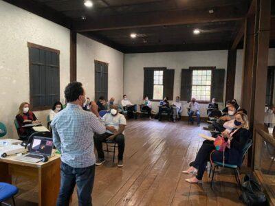 Prefeito Marco Antônio Lage falou aos secretários municipais e o vice-prefeito Marco Antônio Gomes
