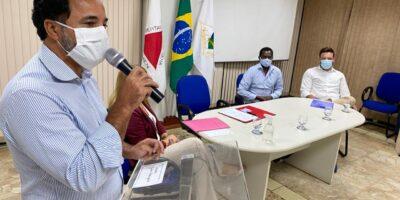 Prefeito dá posse ao Conselho Municipal de Educação