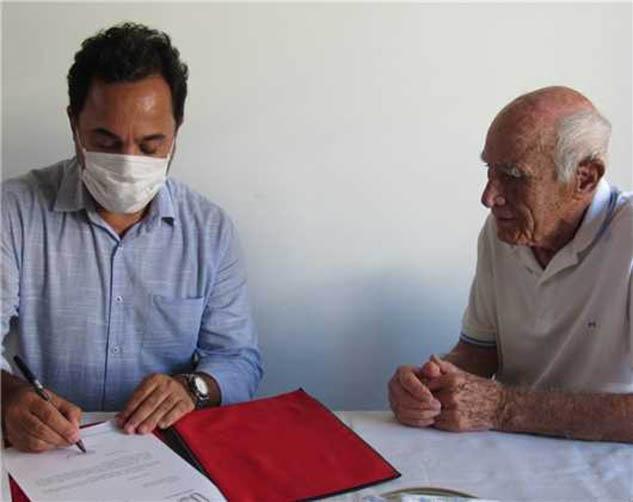 Uma outra data histórica: prefeito Marco Antônio Lage encaminha projeto à Câmara criando o ANO MUNICIPAL DO CENTENÁRIO DE DR. COLOMBO