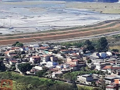 Moradores dos bairros Bela Vista e Nova Vista, em Itabira, podem ser removidos e sofrerem grandes prejuízos.