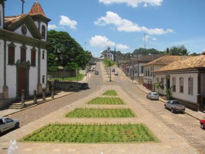Vista parcial da histórica e turística cidade de Santa Bárbara que organiza seus serviços para a população durante a pandemia (Fotos: Divulgação)
