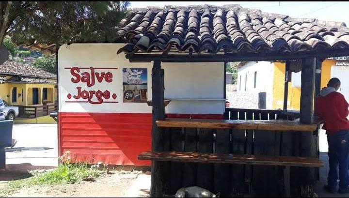 """Trailer """"Salve Jorge"""": uma das centenas de espaços públicos de Itabira"""
