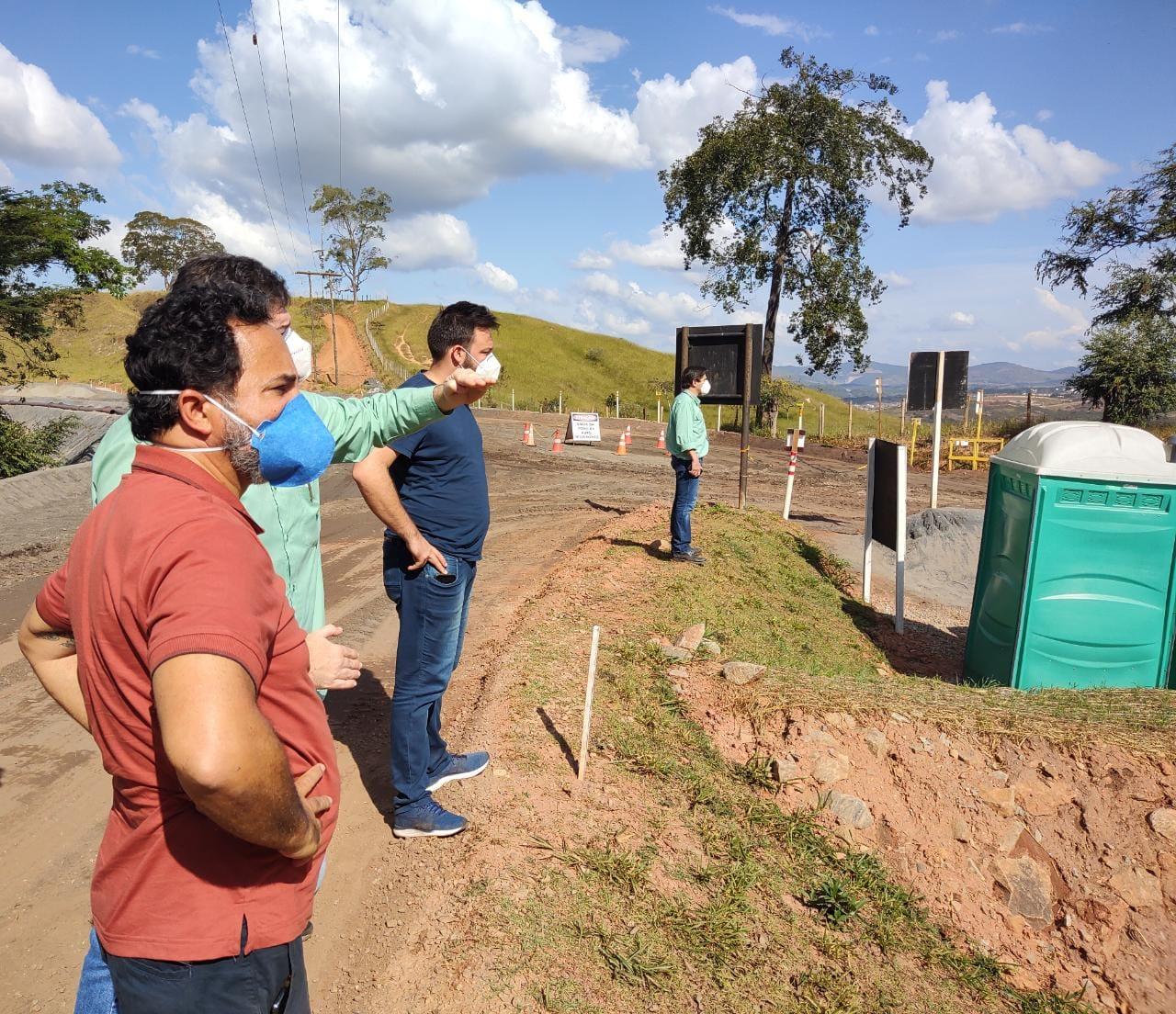 Prefeito e equipe, incluindo o deputado Bernardo Mucida, viram de perto o Sistema Pontal