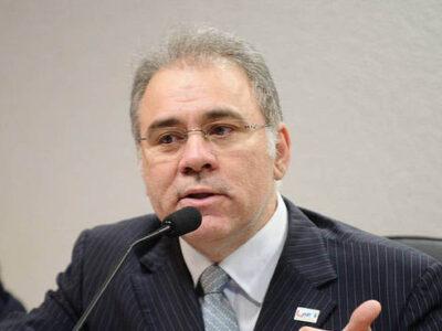 Ministro da Saúde, Marcelo Queiroga informa que 3 milhões de doses da Janssen chegam ao Brasil ainda este mês e que esta vacina é restrita a uma dose apenas