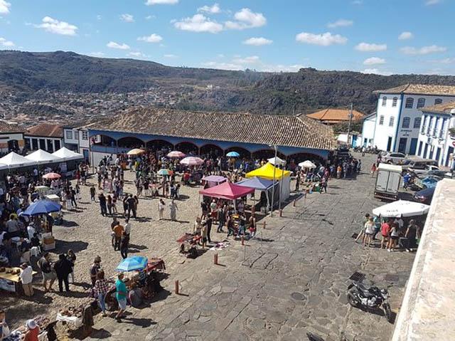 Mercado Velho, atração principal de Diamantina nos fins de semana, movimento que continua atraindo turistas (Foto do Arquivo Notícia Seca)