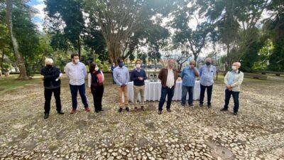 Diretores da Funcesi Jorge Borges e Flávia Pantuza receberam equipe de governo do prefeito Marco Antônio Lage (Foto: Coord. Comun. Social/PMI)
