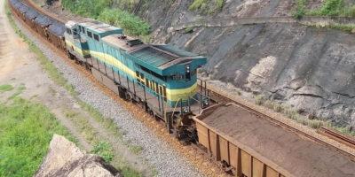 Trens de minério da Vale carregam 75 milões de reais por dia, segundo cálculo do Instituto Data MG (Foto: Google/Vale)