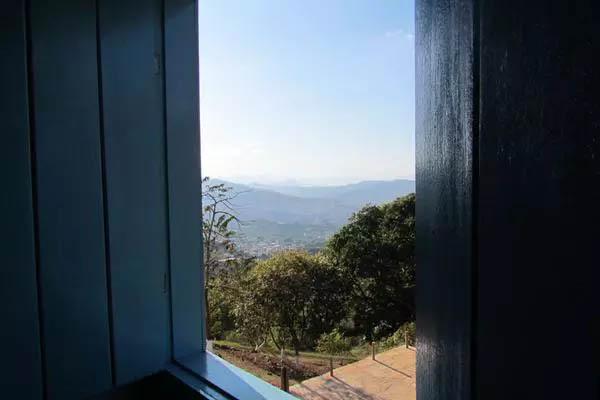 Vista das montanhas de Minas de dentro da cartuxa onde Dom Viçoso faleceu em 7 de julho de 1875 (Foto de João Lucas Ferreira Basílio/Divulgação)