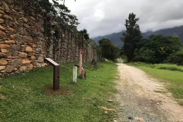 No caminho pode se deparar com atrativos, como Bicame de Pedra (Foto de João Lucas Ferreira Basílio/Divulgação)